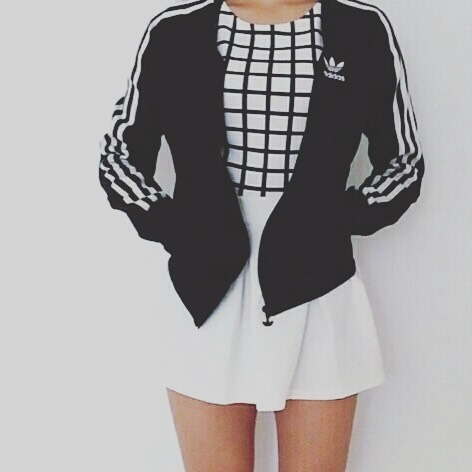 Aesthetic Outfit: black and white jacket, black and white checked top, white circle skirt #outfitideas #blackandwhite #girly #casual