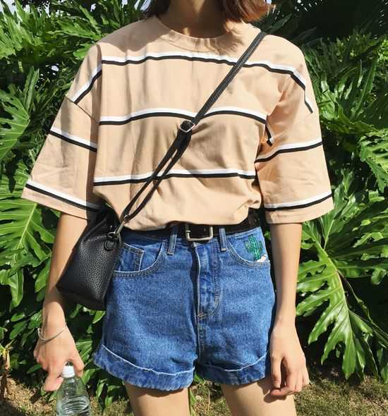 Aesthetic Outfit: peach, black and white striped t-shirt, high waisted denim shorts, black belt, black crossbody bag #outfitoftheday #girly #casual #dailylook