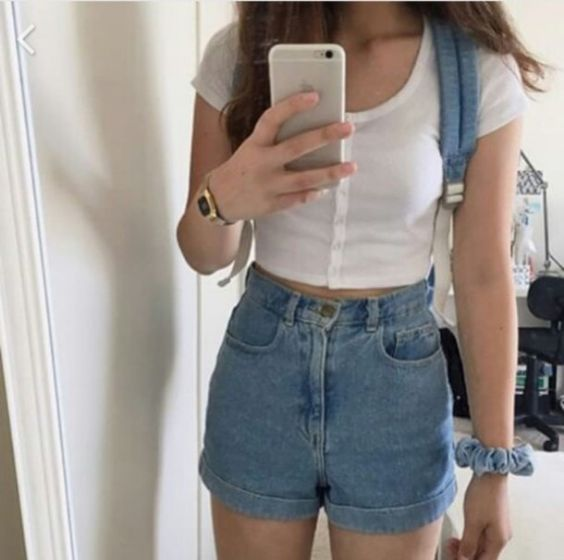 Aesthetic Outfits: white short sleeve crop top, high waisted denim shorts, watch, light blue bag #outfit #teen #croptop #casual #dailylook