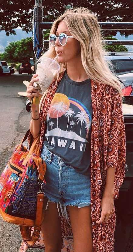 Beach Outfit: gray t-shirt, boho kimono, denim shorts, bohemian handbag, sunglasses #outfit #beach #boho #trendy