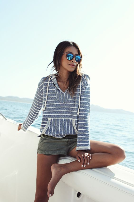 Beach Outfit: gray striped sweatshirt, army green shirts, sunglasses #outfitideas #sea #sun #trendy