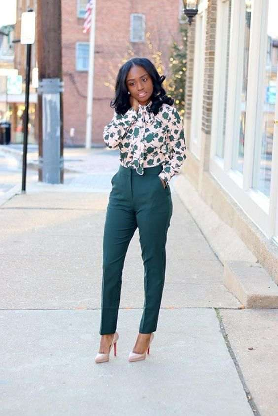 Business Casual Outfit: beige floral bow front blouse, green high waisted pants, nude scarpin heels, pearl earrings #outfitoftheday #floral #girly #chic