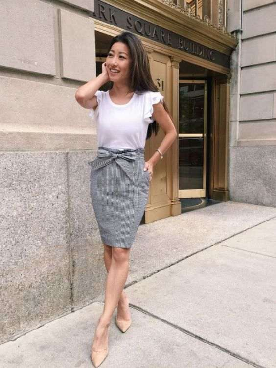 Business Casual Outfits: white butterfly top, gray bow front tube skirt, nude pump shoes, bracelet #outfit #brunette #fashion #trendy