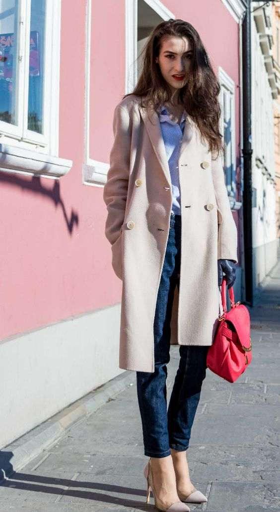Business Casual Outfits: beige coat, light blue shirt, skinny jeans, red handbag, nude pump shoes, black faux leather gloves #outfitoftheday #brunette #makeup #red