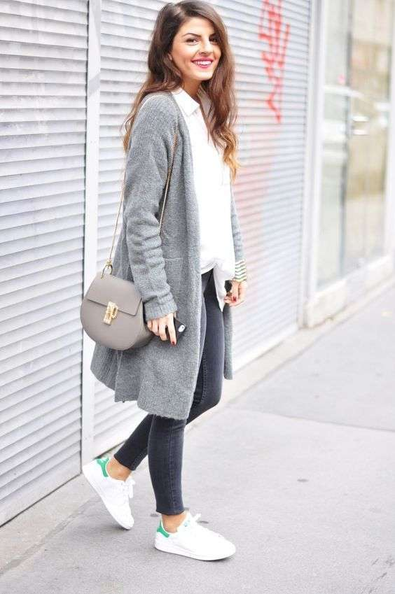 Casual Outfits: gray longline cardigan, white blouse, black skinny jeans, white sneakers, gray crossbody bag #outfitideas #longhair #smile #fashion