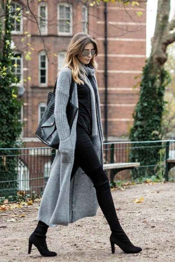 Casual Outfit: gray longline cardigan, black shirt, black skinny pants, black heels, black handbag, sunglasses #outfit #women #professional #blonde #fashion