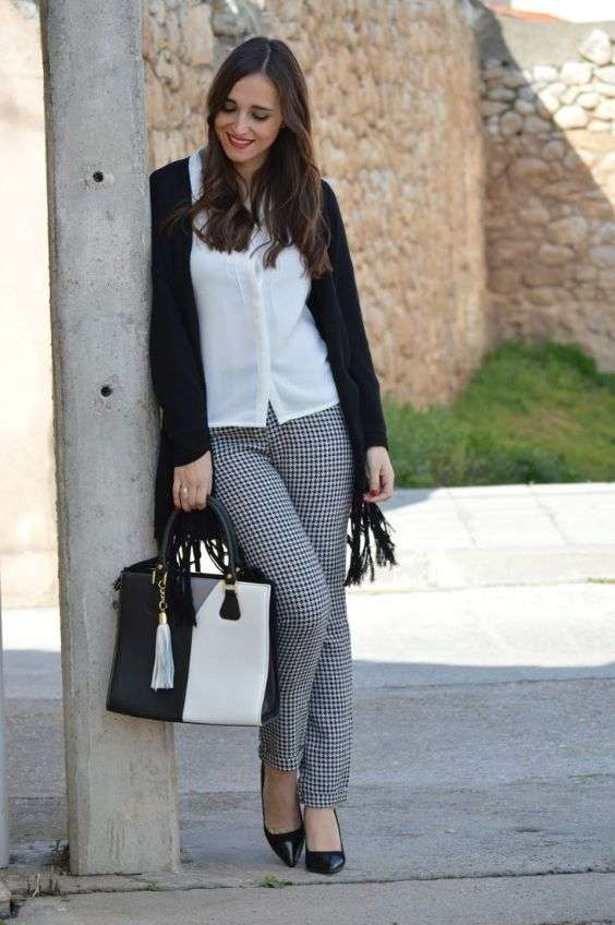Casual Outfit: white blouse, black longline cardigan, black and white checked pants, black pump shoes, black and white handbag #outfitideas #brunette #makeup #women