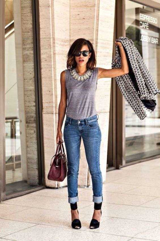 Casual Outfits: gray sleeveless top, skinny jeans, necklace, black heels, sunglasses, wine handbag, black and white jacket #outfitideas #dailylook #shorthair #trendy
