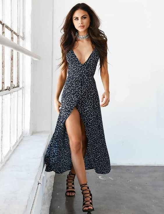 Club Outfits: navy blue and white v-neck maxi dress, black gladiator heels, necklace #outfit #night #clubbing #party