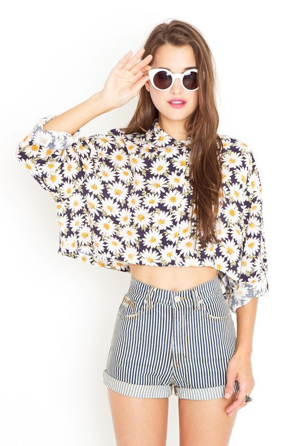 Crop Top Outfits: Half sleeve floral crop top, striped shorts, white cat eye sunglasses #outfitideas #sunglasses #floral #spring