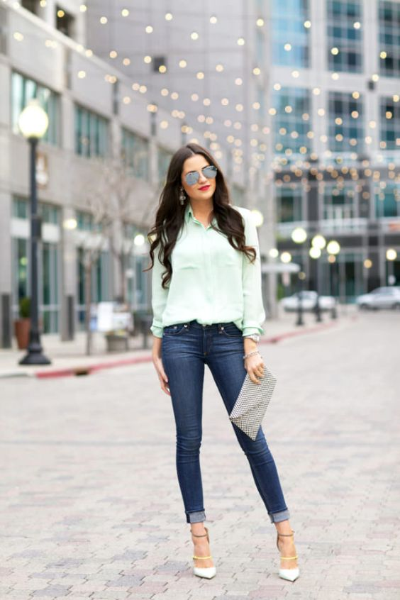 Date Night Outfits: light blue shirt, skinny jeans, white t-strap pump heels, gray purse, sunglasses, earrings, bracelet #outfit #longhair #city #fashion