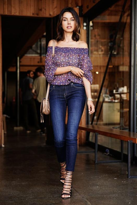 Date Night Outfit: purple floral off the shoulder long sleeve chiffon blouse, skinny jeans, black lace-up heels, beige crossbody bag, bracelets #outfit #purple #floral #girly