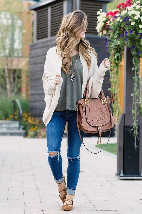 Fall Outfits: beige cardigan, army green top, ripped jeans, camel lace-up flat shoes, camel handbag, necklace #outfitoftheday #cute #pretty #dailylook