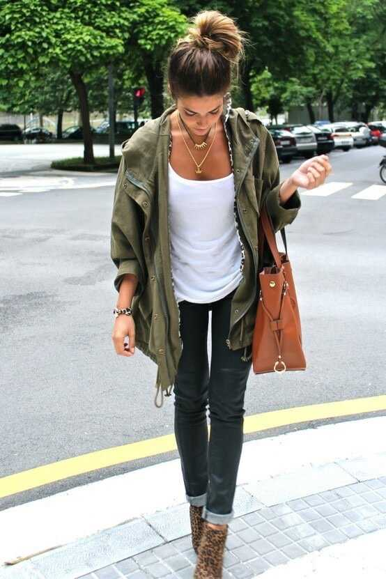 Fall Outfits: army green jacket, white top, skinny jeas, leopard print ankle boots, brown handbag, necklace #outfitideas #hairstyle #fashion #pretty