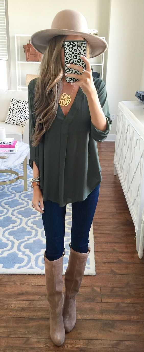 Fall Outfit: army green v-neck blouse, skinny jeans, knee high boots, floppy hat, bracelet, necklace #outfit #blonde #longhair #trendy