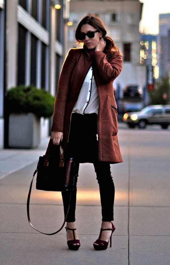 Fall Outfit: brown coat, black and white blouse, black skinny pants, brown heels, brown handbag, sunglasses #outfitoftheday #brunette #trendy #fashion