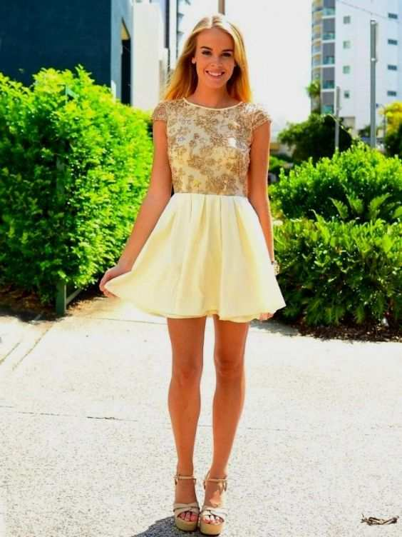 Graduation Outfits: golden and yellow short sleeve dress, beige chunky heels, earrings #outfit #blonde #golden #graduation