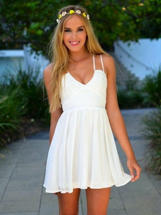 Graduation Outfits: white spaghetti strap v-neck dress, floral headband #outfitideas #white #floral #blonde