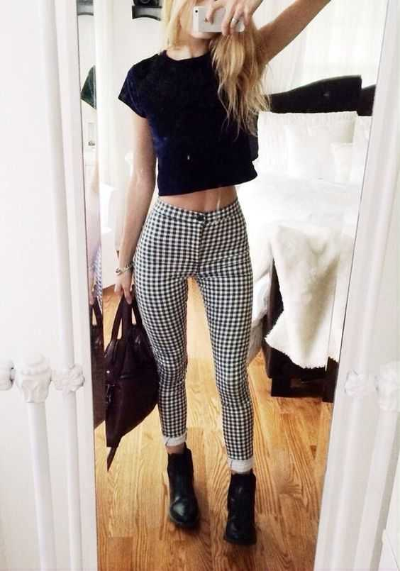 Grunge Outfits: navy blue velvet crop top, black and white checked skinny pants, black booties, wine handbag, bracelet #outfitideas #dailylook #blonde #teen