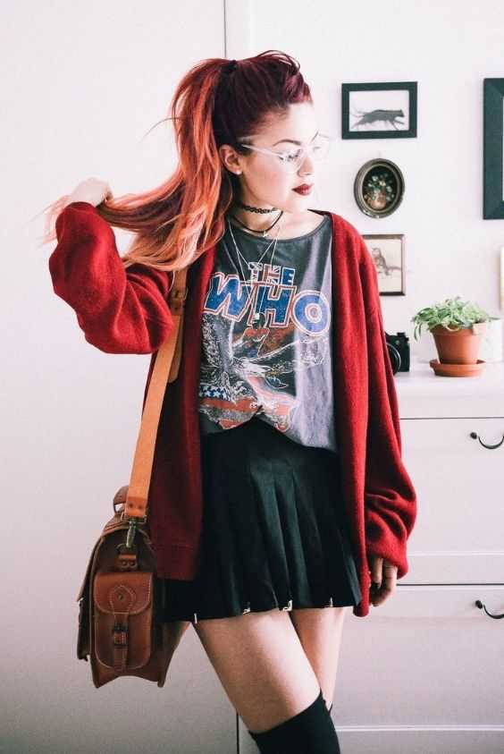 Grunge Outfit: wine cardigan, gray t-shirt, black mini skirt, black knee high socks, brown crossbody bag, choker #outfitoftheday #redhair #red #grunge