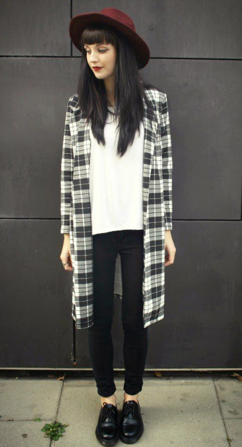 Grunge Outfits: black and white checked coat, white top, black skinny jeans, black oxford shoes, wine wide brim hat #outfitideas #brunette #makeup #hair