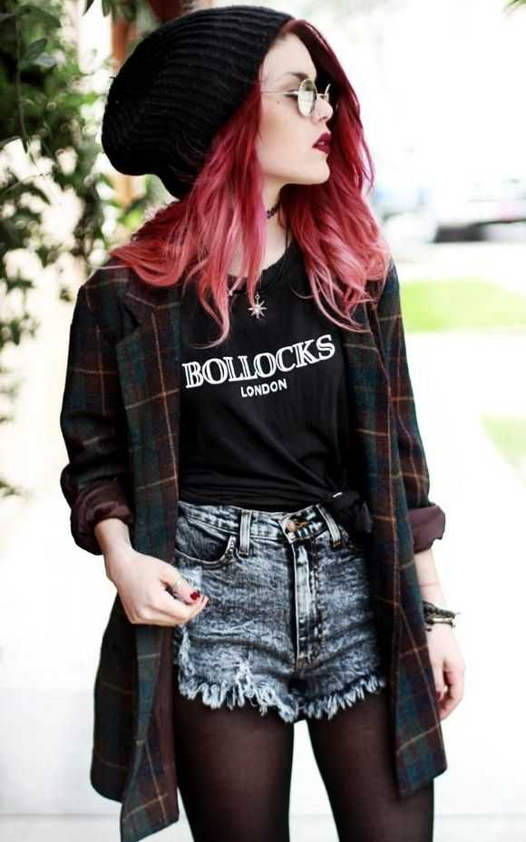 Grunge Outfit: lumberjack shirt, black t-shirt, denim ripped shorts, black tights, black winter hat, necklace #outfitideas #trendy #teen #fashion