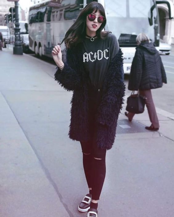 Grunge Outfits: black faux fur coat, black t-shirt, choker, black ripped jeans, sunglasses, black slip-on shoes #outfit #dailylook #fashion #teen