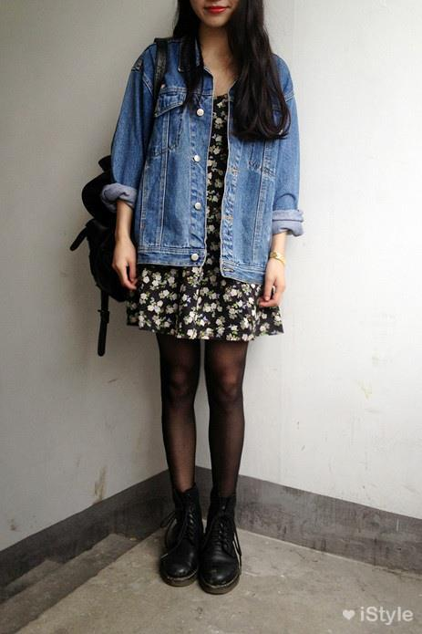 Grunge Outfit: denim jacket, black floral dress, black tights, black martens shoes, black bag #outfitoftheday #brunette #trendy #fashion