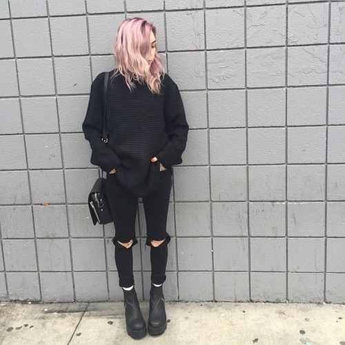 Grunge Outfit: black sweatshirt, black ripped jeans, black booties, black crossbody bag #outfitoftheday #pinkhair #hair #black