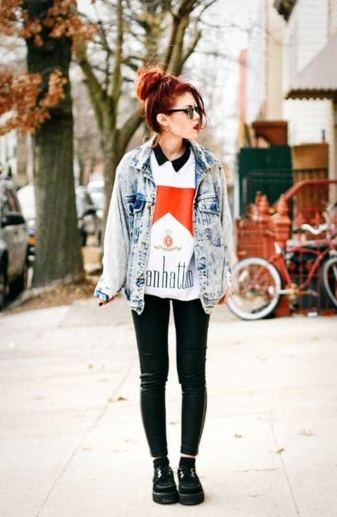Grunge Outfit: denim jacket, white shirt, black faux-leather pants, black martens shoes, sunglasses #outfitideas #redhair #look #fashion