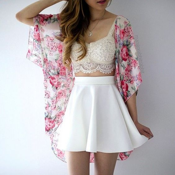 Hipster Outfit: pink floral kimono, beige bralette, white circle skirt, necklace #outfit #pink #floral #hipster
