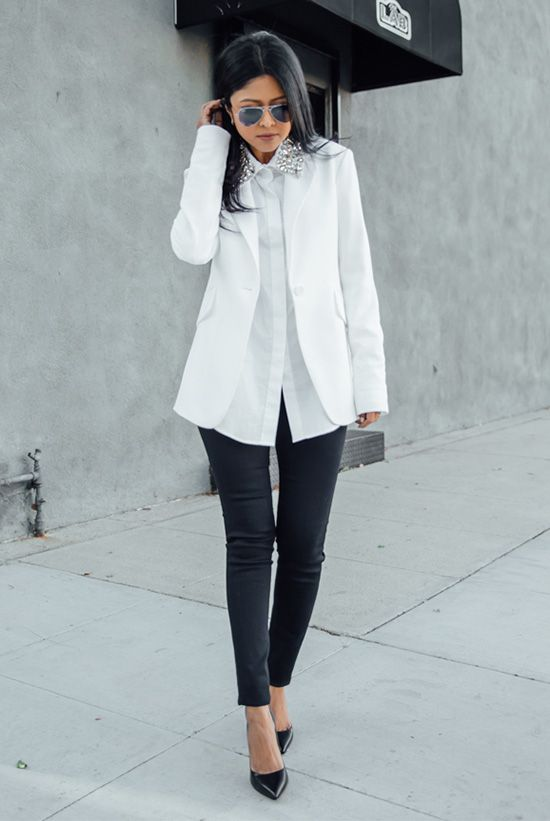 Interview Outfits: white blazer, white blouse, black faux leather skinny pants, black pump shoes, sunglasses #outfitideas #blackandwhite #girly #fashion