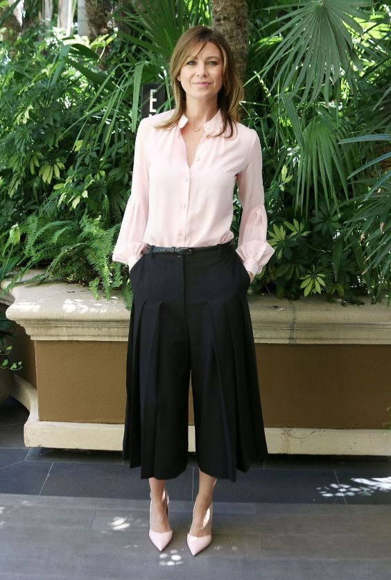 Interview Outfit: baby pink flounce sleeve v-neck blouse, black palazzo pants, baby pink pump heels, black belt #outfit #pink #work #elegant