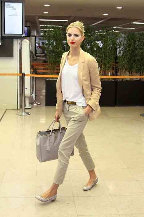 Interview Outfits: light brown blazer, white top, brown belt, beige pleat front pants, gray ballerina flats, gray handbag #outfitideas #makeup #blonde #women