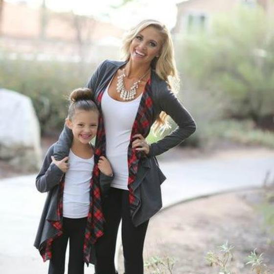 Mommy And Me Outfit: gray cardigan, white top, black skinny jeans, necklace #outfitideas #smile #fashion #girl