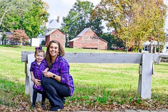 Mommy And Me Outfits: purple lumberjack shirt, black tights, bootent jeans, black shoes #outfit #purple #cute #babygirl