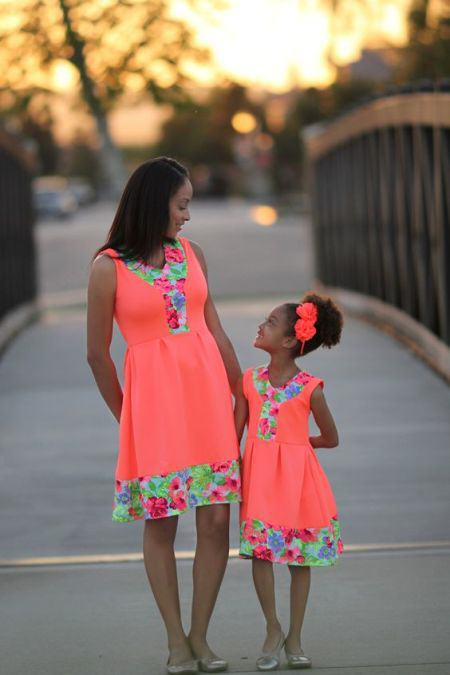 Mommy And Me Outfits: orange floral sleeveless dress, floral headband, nude ballerina flats #outfitideas #floral #cute #mommy