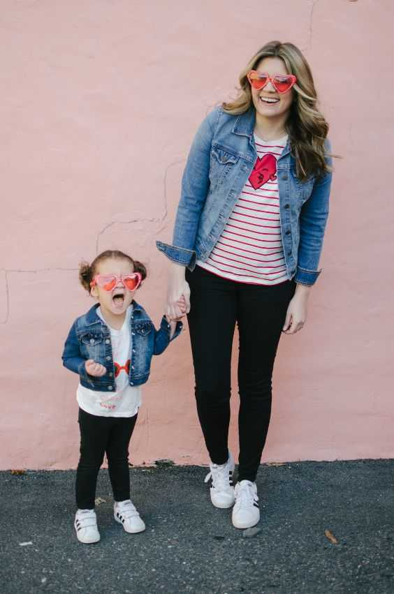 Mommy And Me Outfit: denim jacket, red and white striped shirt, white shirt, black skinny pants, white sneakers, heart sunglasses #outfit #mom #babygirl #happiness