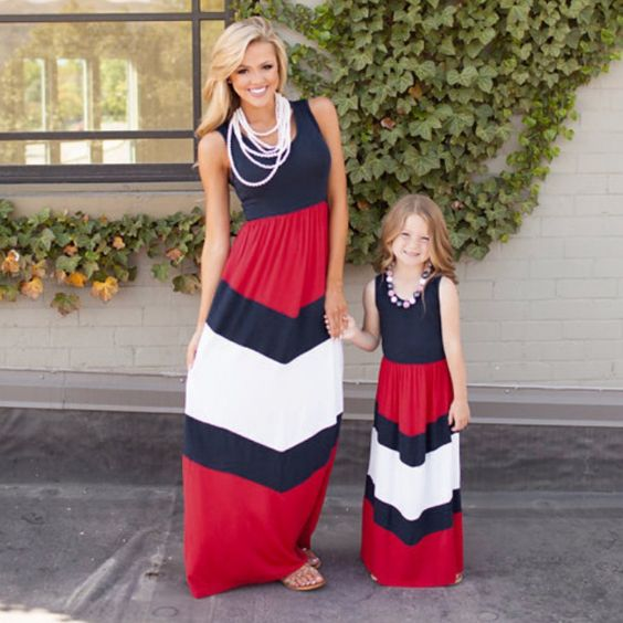 Mommy And Me Outfit: navy blue, red and white sleeveless maxi dress, necklaces, nude sandals #outfitideas #blonde #mommy #babygirl