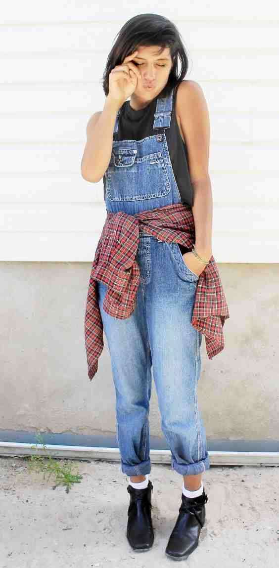Outfits for school: dark gray sleeveless top, denim overall, red lumberjack shirt, white socks, black booties #outfit #overall #teen #girl