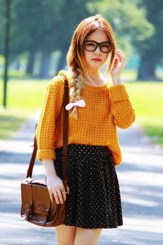 Outfits for school: yellow sweater, black and white point print skirt, camel bag #outfitoftheday #glasses #braidhair #teen