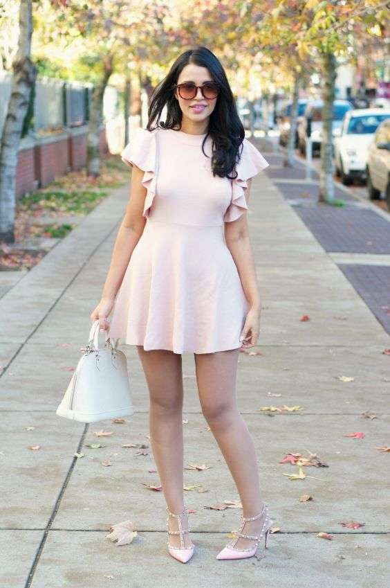 Pink Outfit: blush pink butterfly sleeve dress, blush pink heel sandals, white handbag, sunglasses #outfit #brunette #pink #cute