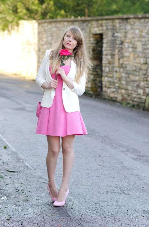 Pink Outfit: white blazer, bubblegum pink strapless dress, blush pink heels, pink crossbody bag #outfit #blonde #girly #fashion