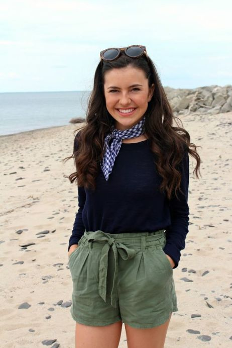Preppy Outfits: navy blue sweater, black and white kerchief, army green high waisted shorts, sunglasses #outfit #beach #cute #smile