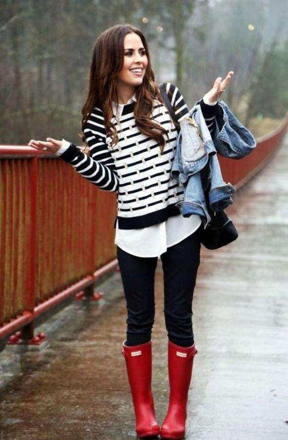 Preppy Outfits: black and white striped sweatshirt, white shirt, black skinny jeans, denim jacket, black bag, red rain boots #outfitideas #brunette #rain #red