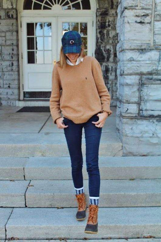 Preppy Outfits: camel sweatshirt, denim cap, white shirt, skinny jeans, white and navy blue socks, camel army boots #outfitoftheday #casual #college #girl