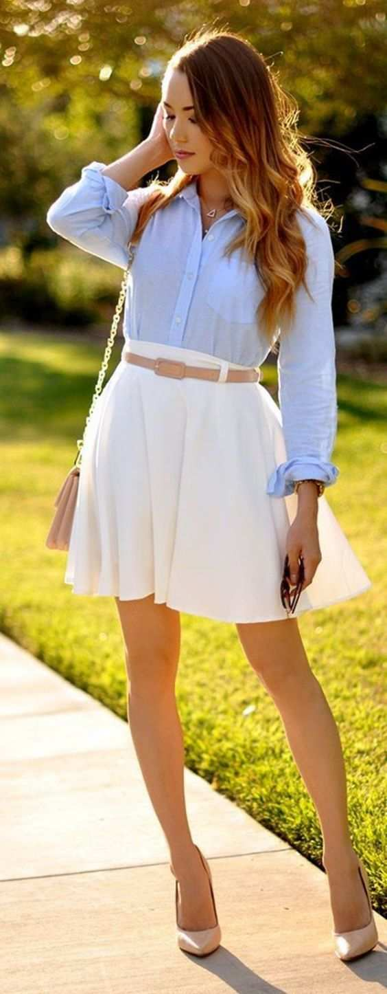 Preppy Outfit: light blue shirt, white circle skirt, nude heels, nude belt, nude crossbody bag #outfitideas #college #trendy #fashion