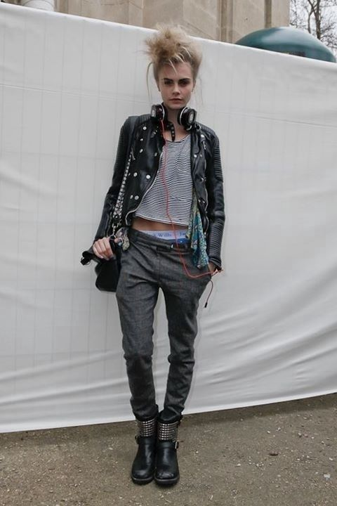 Punk Outfits: black faux leather jacket, black and white striped top, dark gray jogger pants, black booties, black crossbody bag #outfit #teen #punk #chic