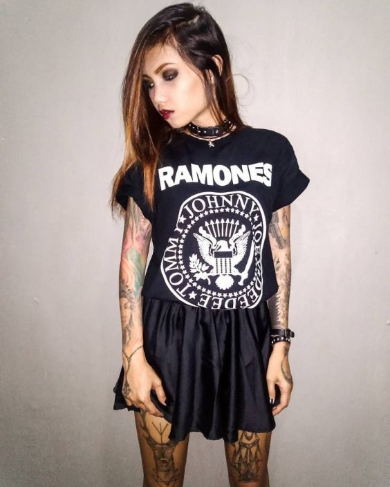 Punk Outfits: black t-shirt, black skirt, choker, bracelets #outfit #punk #black #teen