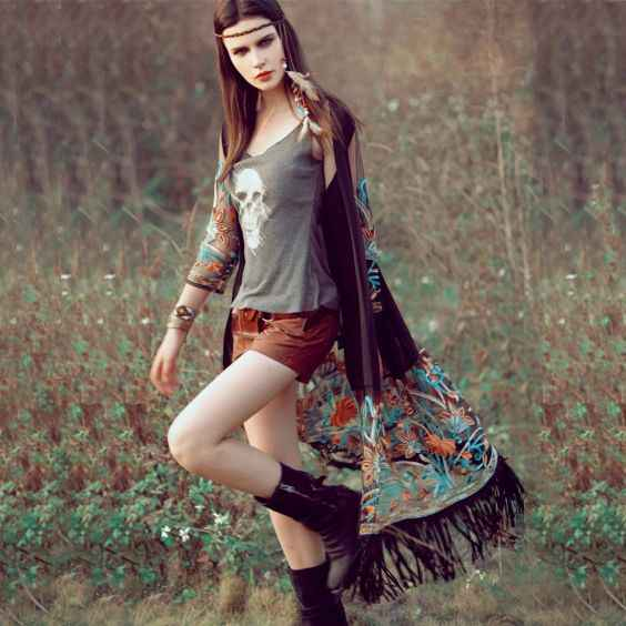Rave Outfit: gray spaghetti sleeve top, brown shorts, black boots, black floral kimono #outfit #boho #hippie #concertoutfit